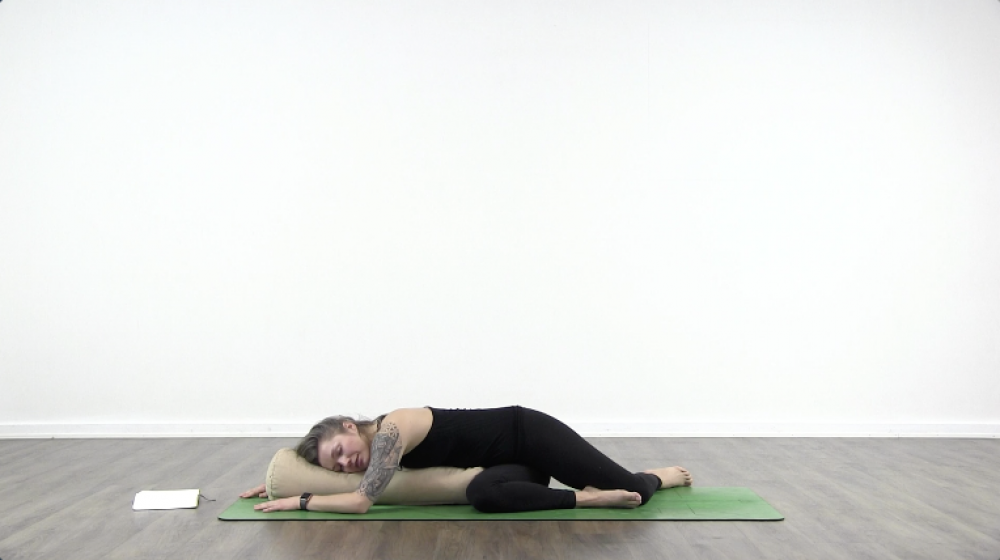 4 Essential Yoga Poses For Sleep_1