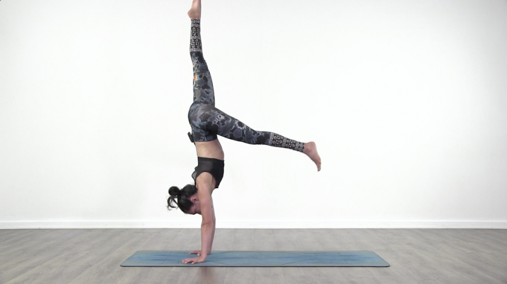 Kick Up to Handstand Tutorial_0