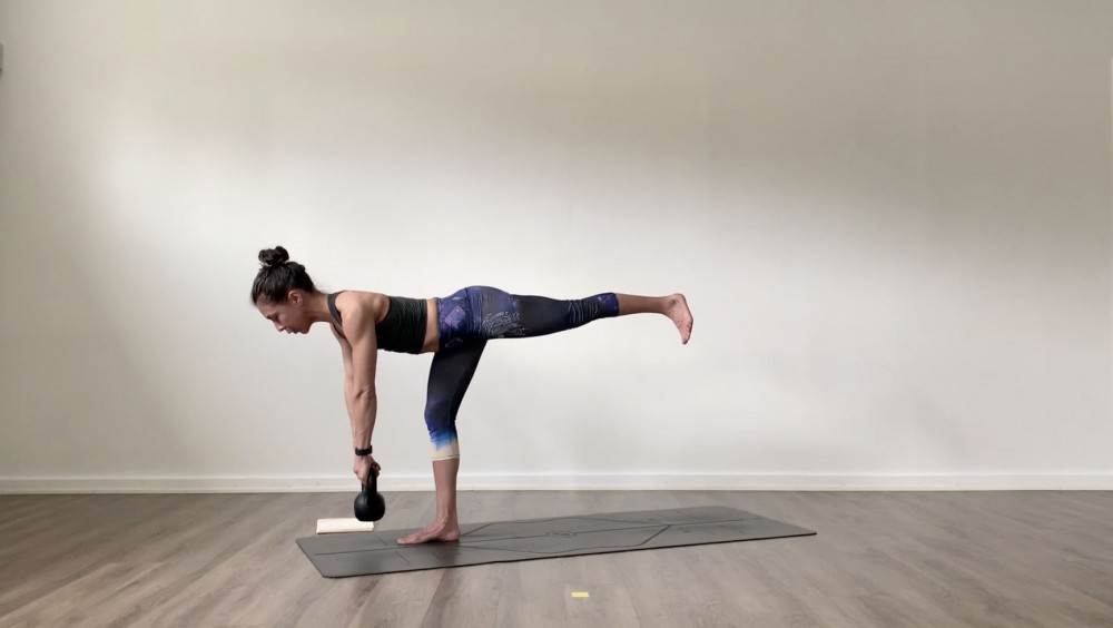 Full Body Yoga with Kettlebell_1