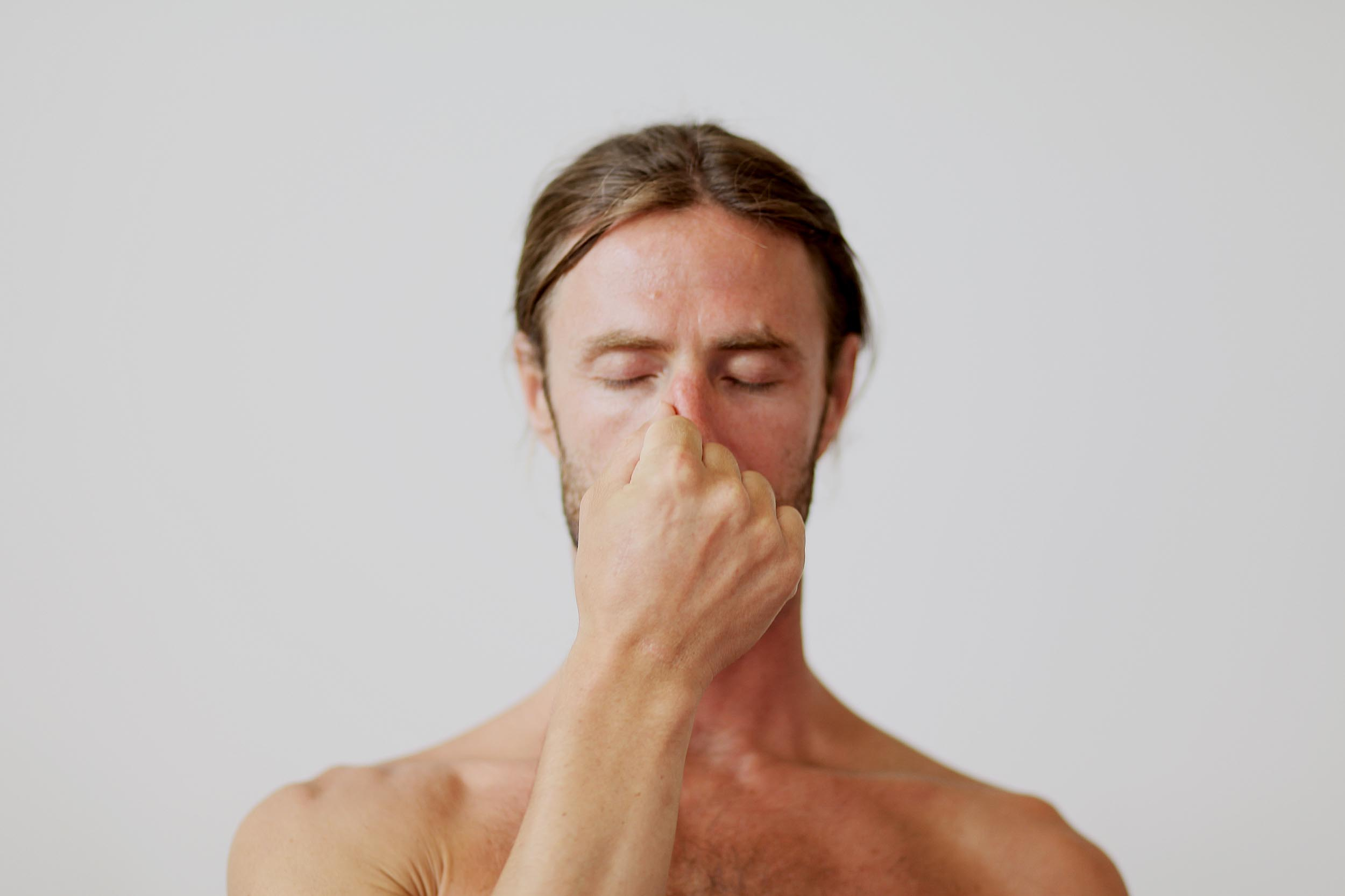 Pranayama the yogi's art of breathing - Guy Powiecki