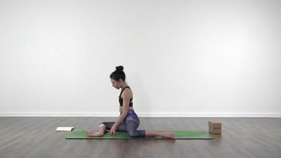 Yoga practice at Yogateket with Lizette Pompa