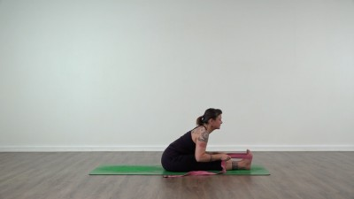 clare nicholls yoga teacher  jivamukti and yoga