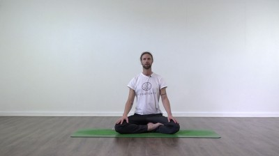 Pranayama in practice at Yogateket with Guy Powiecki