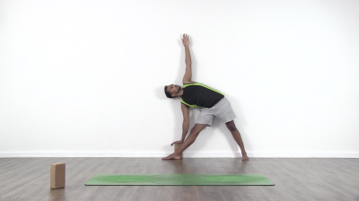 trikonasana against wall